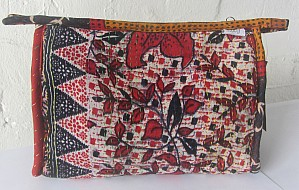 Kantha washbags - large red leaves
